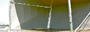 SCÈNE D'ETE par GRAND VOILE - Les fermetures latérales